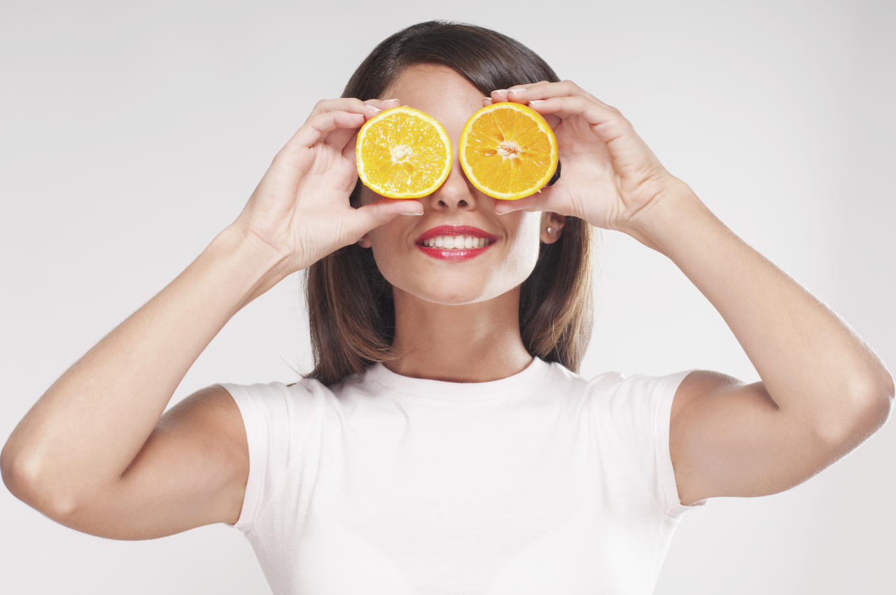 <p>If you're looking to beat hay fever, it's been suggested that you increase how much Vitamin C you're taking. Fruits like oranges and kiwis are a great source of Vitiman C, as are veggies like red capsicum and kate. It's been suggested that Vitamin C acts as a natural antihistamine and goes towards calming down allergic reactions. Photo: Getty Images </p>