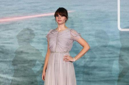 Felicity Jones durante lançamento europeu de Star Wars Rogue One em Londres