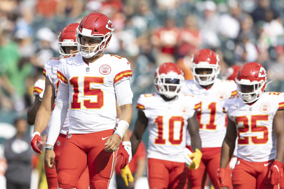 PHILADELPHIA, PA - OCTOBER 03: Patrick Mahomes #15, Tyreek Hill #10, Demarcus Robinson #11, and Clyde Edwards-Helaire #25 of the Kansas City Chiefs look on against the Philadelphia Eagles at Lincoln Financial Field on October 3, 2021 in Philadelphia, Pennsylvania. (Photo by Mitchell Leff/Getty Images)
