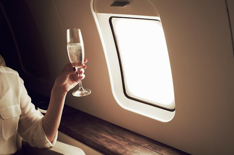 Champagne tastes good in the air, but loses some of its fizz - Brand New Images