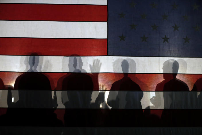 <p>Supporters applaud as Republican presidential candidate New Jersey Gov. Chris Christie speaks at a town hall-style campaign event at Hampton Academy in Hampton on Feb. 7, 2016. <i>(Photo: Robert F. Bukaty/AP)</i></p>