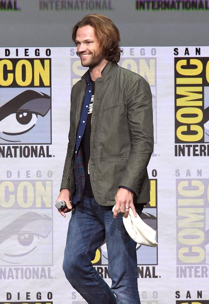 Jared Padalecki flashed a smile at the 'Supernatural' panel.