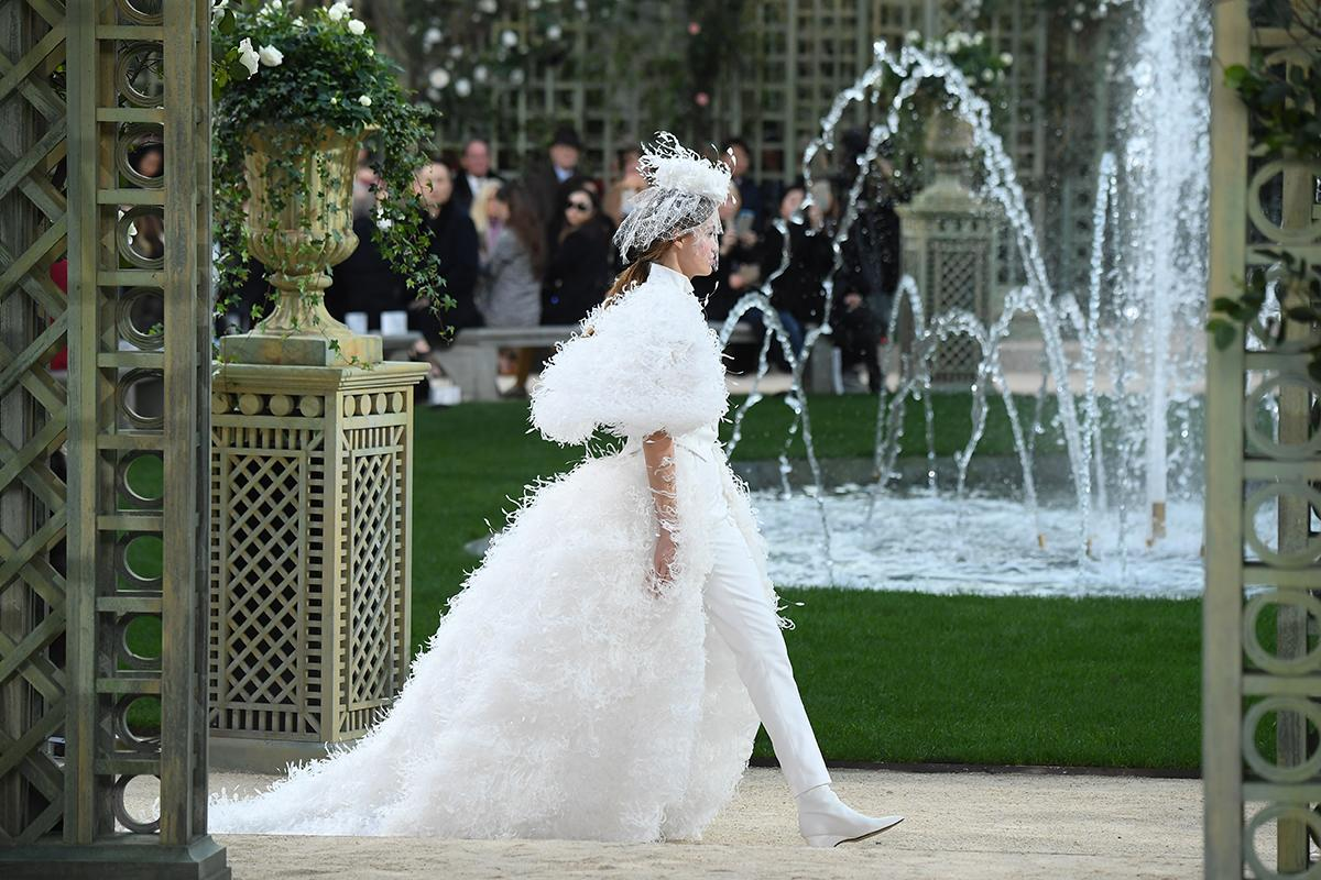 <p>Model Luna Bijl walks the runway during the Chanel Spring Summer 2018 show as part of Paris Fashion Week on January 23, 2018 in Paris, France. (Photo: Getty Images) </p>