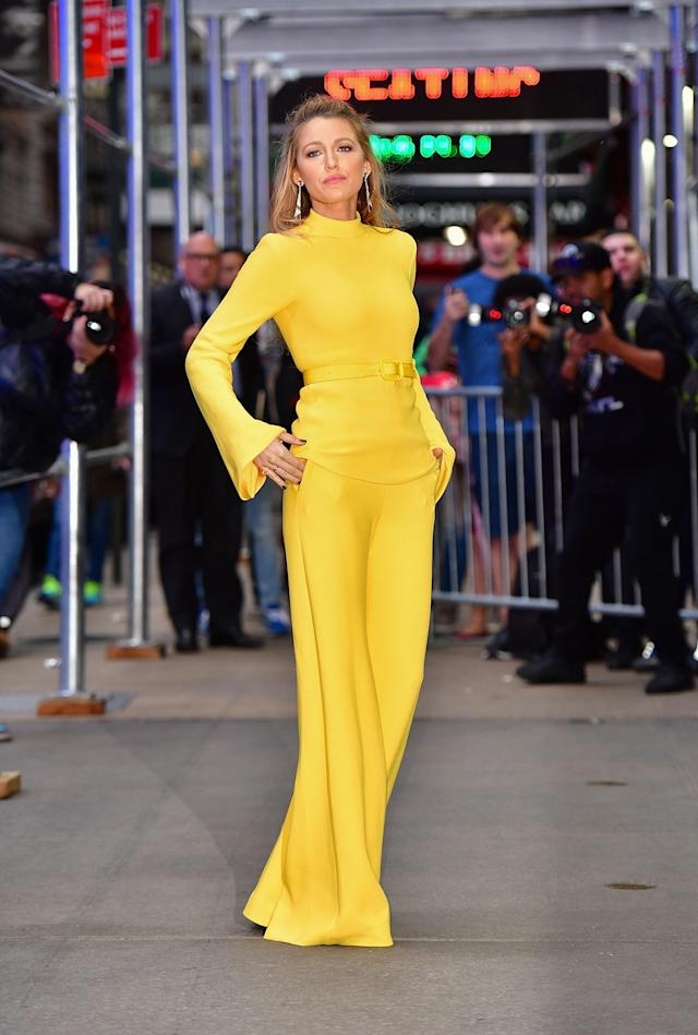 <p>The actress started her long day off early with a pop of color. (Photo: Getty Images) </p>
