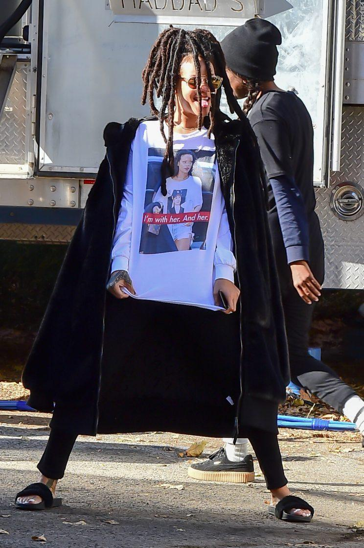 Rihanna arrived on Ocean's Eight set wearing a Hillary Clinton t-shirt on November 8. (Photo: Getty Images)