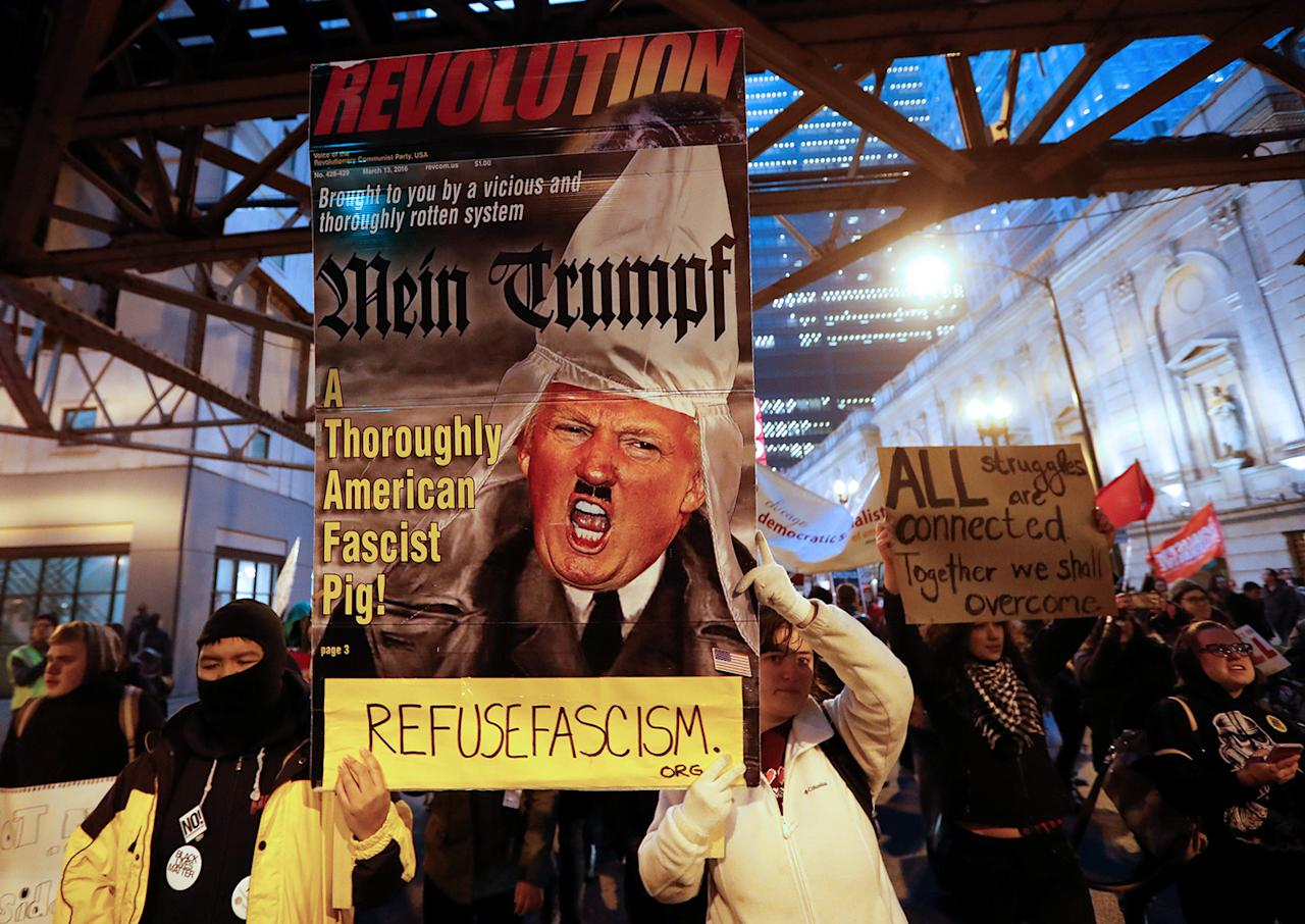 <p>Protesters march during a rally against President Donald Trump in Chicago, Jan. 20, 2017. (Photo: Kamil Krzacznski/Reuters) </p>