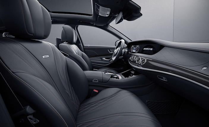 """<p>The center console lid also will feature a """"1 of 130"""" badge denoting the exclusivity of the Final Edition.</p>"""