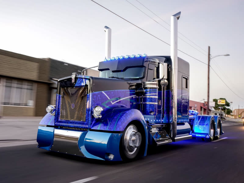 Big Rig Coming For You : You ve never seen a big rig like this