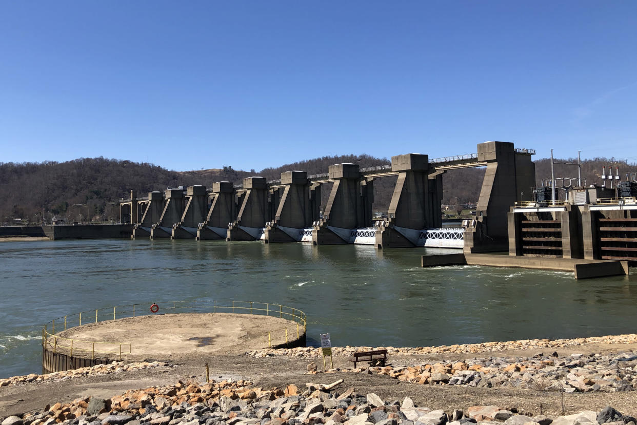 Locks on the Ohio River, which has been called the most polluted waterway in the United States. (Photo: Alexander Nazaryan/Yahoo News)