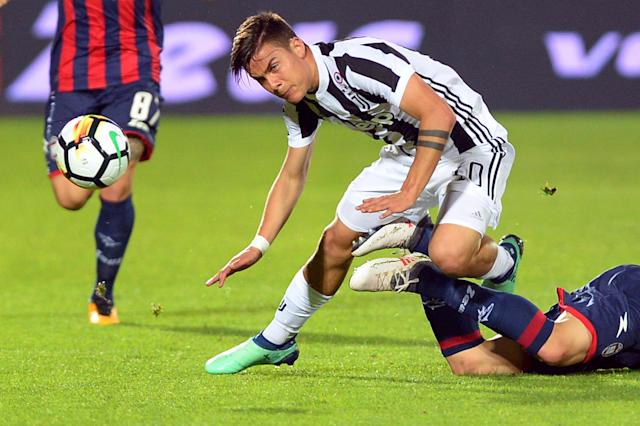 Soccer Football - Serie A - Crotone vs Juventus - Ezio Scida Municipal Stadium, Crotone, Italy - April 18, 2018 Juventus' Paulo Dybala in action REUTERS/Massimo Pinca