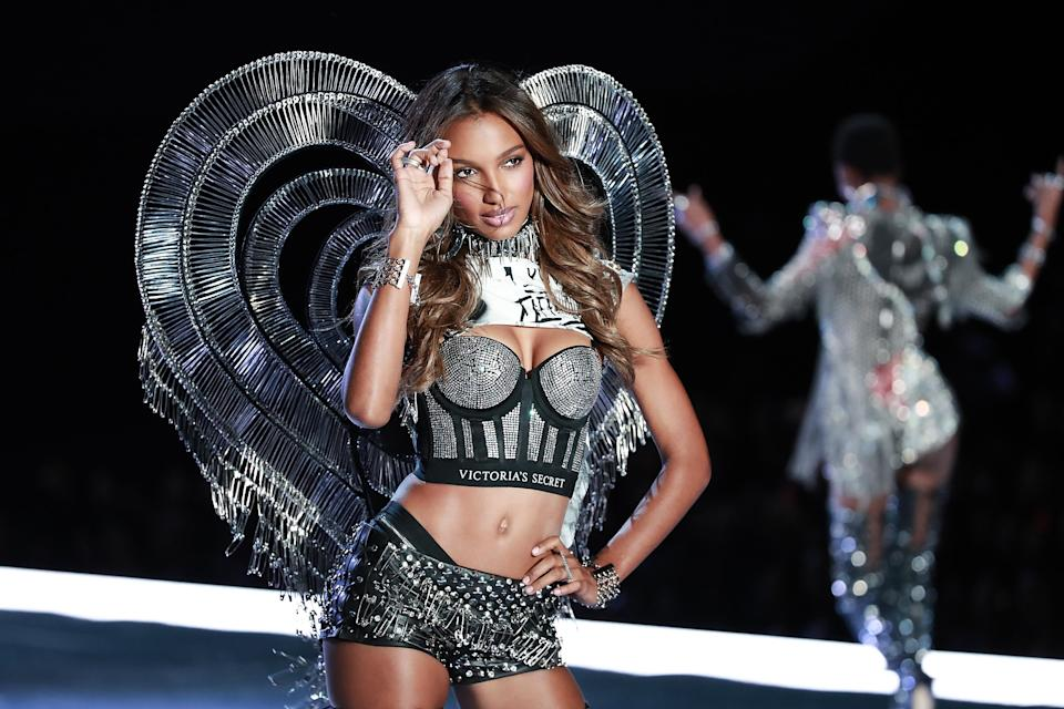 Victoria's Secret Angel Jasmine Tookes walks the runway in the 2017 Victoria's Secret Fashion Show on Nov. 20 in Shanghai. (Photo: Lintao Zhang/Getty Images for Swarovski)