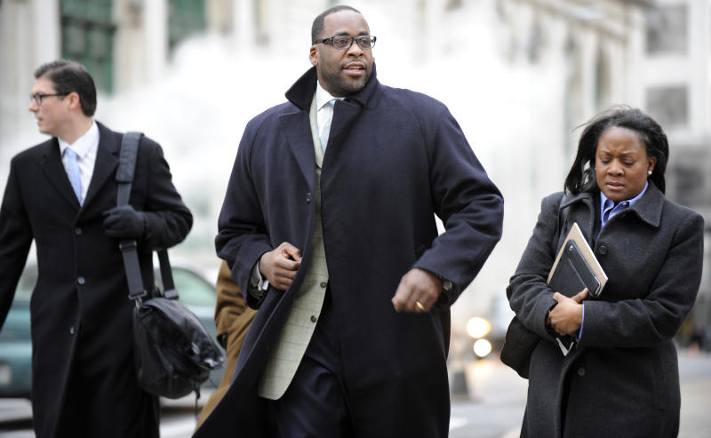 Key aide says he passed cash to then-Detroit mayor