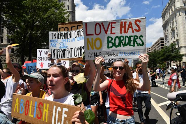 <p>People demonstrate in Washington, D.C., on June 28, 2018, demanding an end to the separation of migrant children from their parents. (Photo: Nicholas Kamm/AFP/Getty Images) </p>