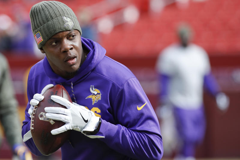 Minnesota Vikings quarterback Teddy Bridgewater (5) warms up before Sunday's game against Washington. (AP)