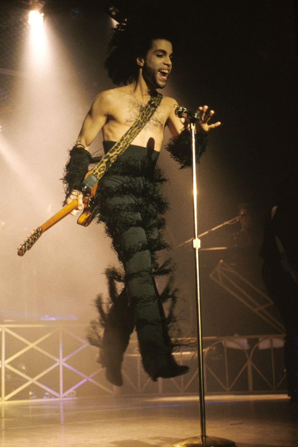 "<p>Performing in his hometown Minneapolis on his ""Nude"" Tour</p>"