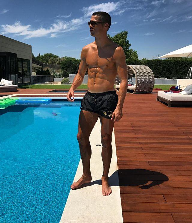"""<p>Ronaldo again implores fans to """"enjoy the view"""" in the caption of this certified trap from June 2017. </p><p><a href=""""https://www.instagram.com/p/BVMmQI6l8_I/"""" rel=""""nofollow noopener"""" target=""""_blank"""" data-ylk=""""slk:See the original post on Instagram"""" class=""""link rapid-noclick-resp"""">See the original post on Instagram</a></p>"""