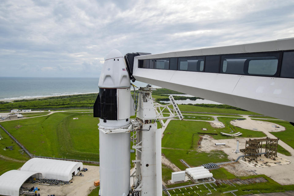 SpaceX-Inspiration4-Dragon-Launchpad