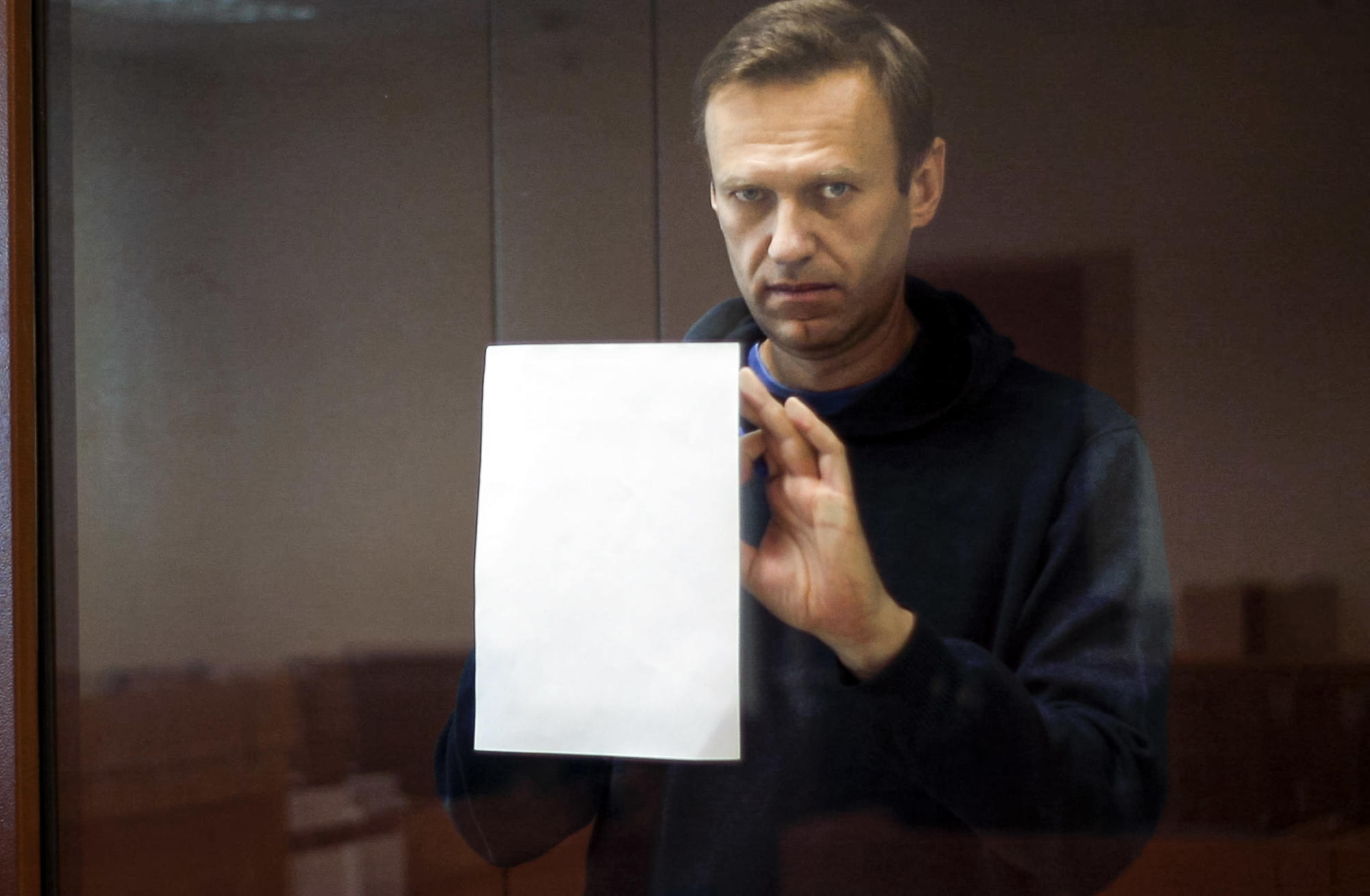 Kremlin rebuffs European court's demand to free Navalny