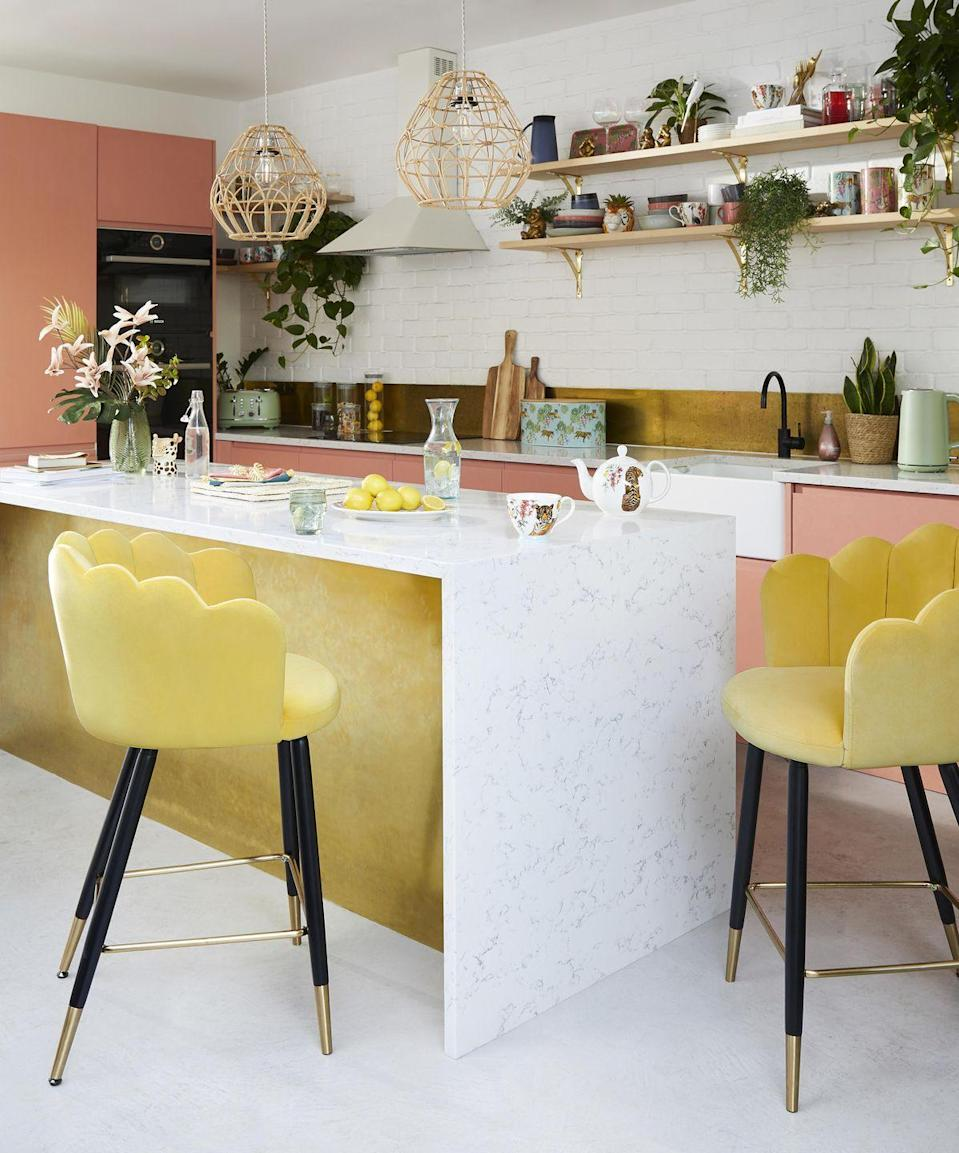 """<p>Brighten up your <a href=""""https://www.housebeautiful.com/uk/decorate/kitchen/g35138029/kitchen-cupboard-paint/"""" rel=""""nofollow noopener"""" target=""""_blank"""" data-ylk=""""slk:kitchen"""" class=""""link rapid-noclick-resp"""">kitchen</a> just in time for spring with Dunelm's cheery updates. You'll discover must-have dinnerware, pops of colour, and bold prints that will boost any living space. </p><p><strong>Like this article? <a href=""""https://hearst.emsecure.net/optiext/cr.aspx?ID=DR9UY9ko5HvLAHeexA2ngSL3t49WvQXSjQZAAXe9gg0Rhtz8pxOWix3TXd_WRbE3fnbQEBkC%2BEWZDx"""" rel=""""nofollow noopener"""" target=""""_blank"""" data-ylk=""""slk:Sign up to our newsletter"""" class=""""link rapid-noclick-resp"""">Sign up to our newsletter</a> to get more articles like this delivered straight to your inbox.</strong></p><p><a class=""""link rapid-noclick-resp"""" href=""""https://hearst.emsecure.net/optiext/cr.aspx?ID=DR9UY9ko5HvLAHeexA2ngSL3t49WvQXSjQZAAXe9gg0Rhtz8pxOWix3TXd_WRbE3fnbQEBkC%2BEWZDx"""" rel=""""nofollow noopener"""" target=""""_blank"""" data-ylk=""""slk:SIGN UP"""">SIGN UP</a></p><p>In need of some positivity or not able to make it to the shops? <a href=""""https://go.redirectingat.com?id=127X1599956&url=https%3A%2F%2Fwww.hearstmagazines.co.uk%2Fhb%2Fhouse-beautiful-magazine-subscription-website&sref=https%3A%2F%2Fwww.housebeautiful.com%2Fuk%2Flifestyle%2Fshopping%2Fg35333392%2Fdunelm-spring-summer-homeware%2F"""" rel=""""nofollow noopener"""" target=""""_blank"""" data-ylk=""""slk:Subscribe to House Beautiful magazine today and get 6 issues for just £15"""" class=""""link rapid-noclick-resp"""">Subscribe to House Beautiful magazine today and get 6 issues for just £15</a>, delivered directly to your door every month.</p>"""