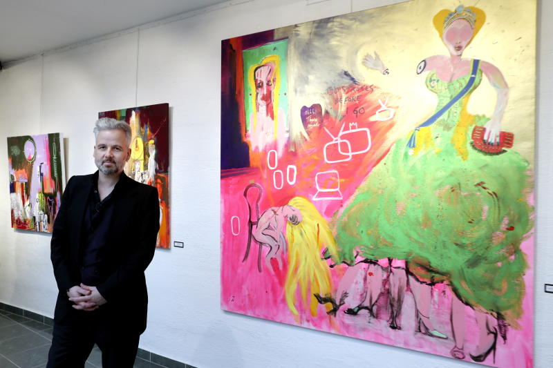 """FILE - In this April 3, 2017 file photo, Ari Behn poses for the media next to the work """"100 strokes before I go"""" during an exhibition in Gallery Oddvar Olsen in Drammen, Norway. Scandinavian author Ari Behn — the ex-husband of Norwegian Princess Martha Louise and among the people who had accused actor Kevin Spacey of sexual misconduct — died this week, his manager said. He was 47. Behn died by suicide Wednesday, Dec. 25, 2019 at his home in Norway, his manager told the Norwegian news service NTB. (Vidar Ruud/NTB Scanpix via AP)"""