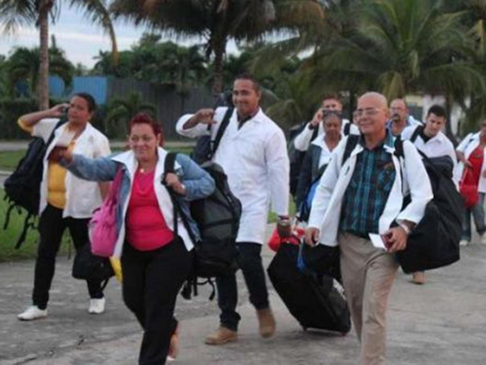 Cuban doctors on a trip to Dominica to help after Tropical Storm Erika: Granma