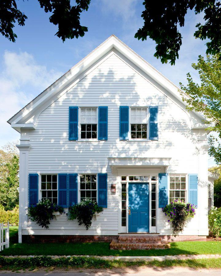 """<p>Colonial-style homes pair perfectly with a red white and blue color palette. Architect Patrick Ahearn selected the exact right hue when building this house. For a similar look:</p><p> <a class=""""link rapid-noclick-resp"""" href=""""https://go.redirectingat.com?id=74968X1596630&url=https%3A%2F%2Fwww.farrow-ball.com%2Fen-us%2Fpaint-colours%2Fst-giles-blue&sref=https%3A%2F%2Fwww.countryliving.com%2Fhome-design%2Fcolor%2Fg31158913%2Ffront-door-colors%2F"""" rel=""""nofollow noopener"""" target=""""_blank"""" data-ylk=""""slk:SHOP ST. GILES BLUE BY FARROW AND BALL"""">SHOP ST. GILES BLUE BY FARROW AND BALL</a></p>"""
