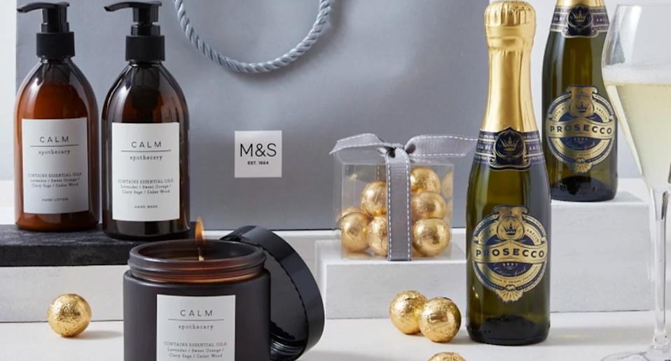 Pamper Gift Bag for Her. (Marks & Spencer)