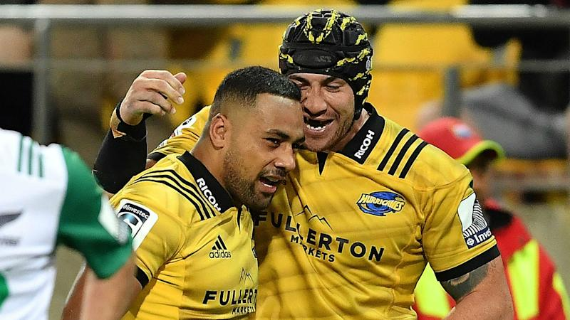 Hurricanes blow away Chiefs to take over at the top