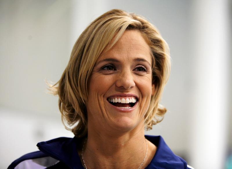 Olympic swimmer Dana Torres'mornings includea workout, a healthy breakfast andhelping her daughter get ready for school.