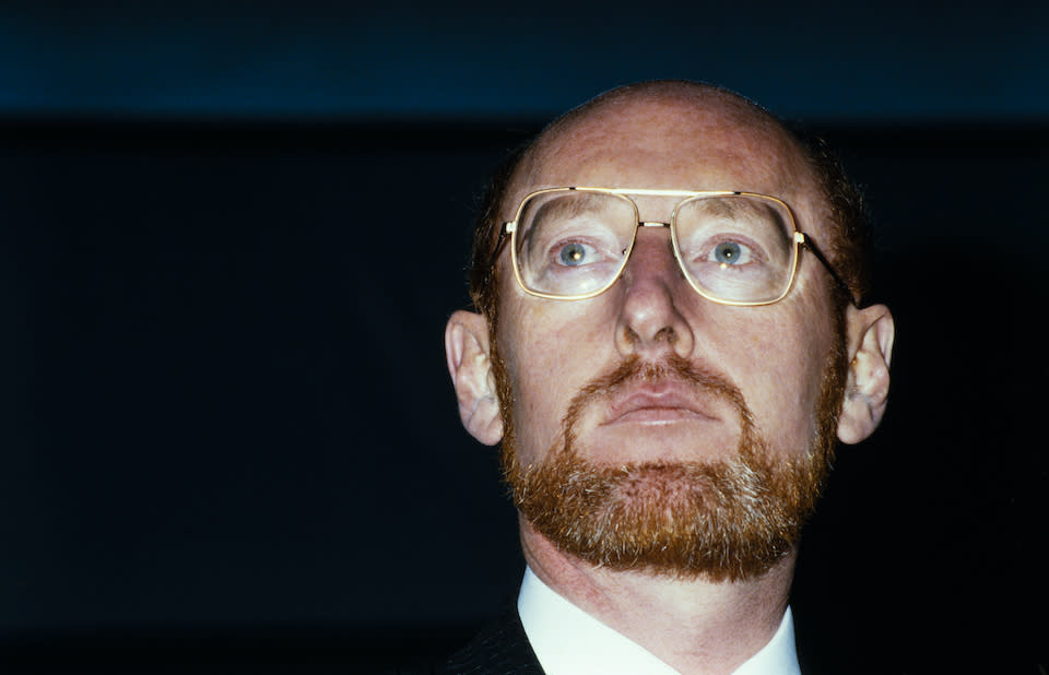 LONDON - JANUARY 10: Sir Clive Sinclair launches his new electric vehicle the Sinclair C5, at Alexandra Palace, London on January 10, 1985. (Photo by David Levenson/Getty Images)