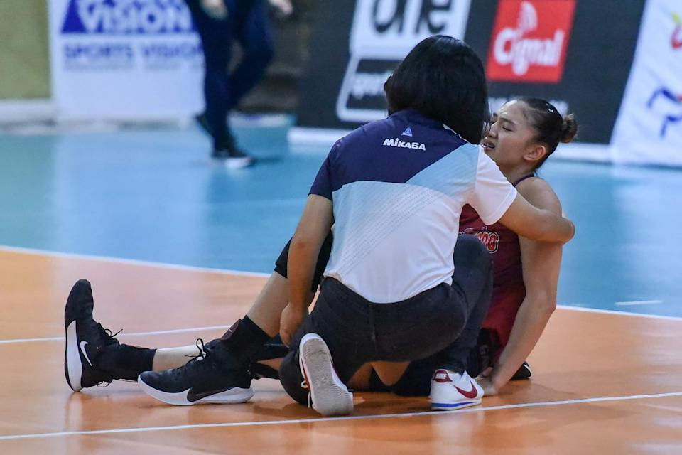 Maddie Madayag of Choco Mucho sustains an awkward landing which caused an ACL tear on her left knee in Game One of the 2021 Premier Volleyball League (PVL) Open Conference battle for third last August 11. (Photo: PVL Media Bureau)
