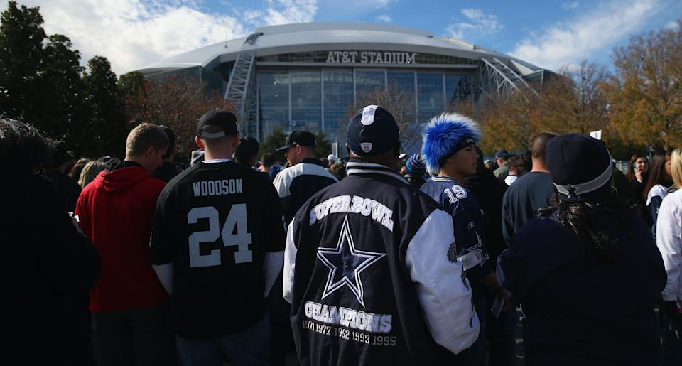 Fans gather outside AT&T Stadium. (Getty Images)