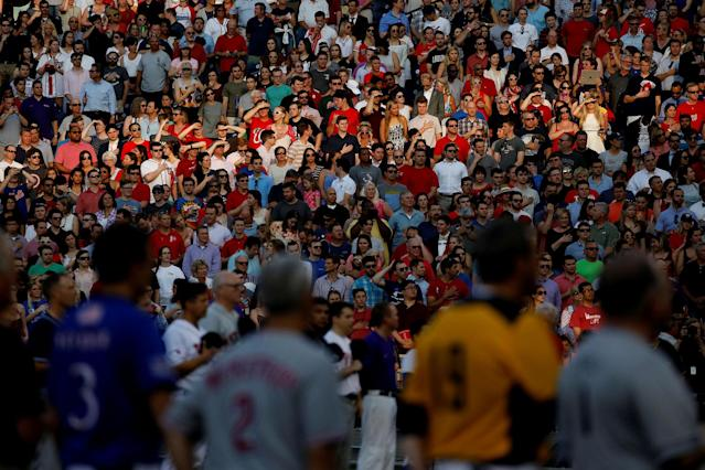<p>Members of the crowd stand for the National Anthem during the Congressional Baseball Game at Nationals Park in Washington, June 15, 2017. (Photo: Joshua Roberts/Reuters) </p>