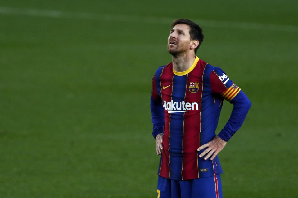 A team-building gesture might backfire for Lionel Messi and Barcelona. (AP/Joan Monfort)