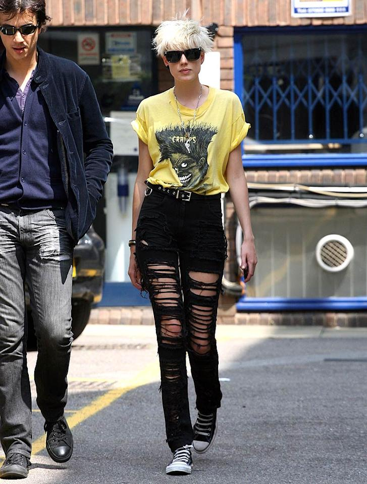 """Supermodel Agyness Deyn looks far from super and farther from a model in her disgustingly distressed denim and burnt bleached mop top. Colin MacFarlane/<a href=""""http://www.splashnewsonline.com"""" target=""""new"""">Splash News</a> - June 9, 2008"""