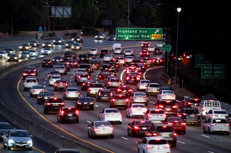 Motor vehicles drive on the 101 freeway in Los Angeles, California on September 17, 2019 (AFP Photo/Robyn Beck)