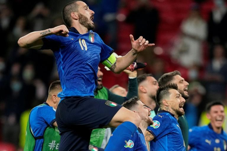Italy celebrate their victory against Austria in the last-16 of Euro 2020