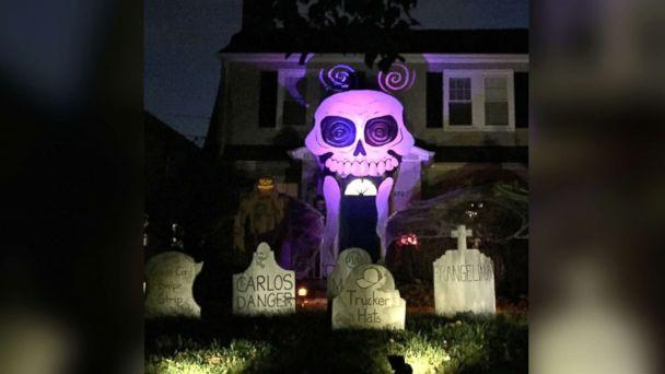 PHOTO: Michael Fry's Halloween decorations in 2016 featuring a two-story skull. (Michael Fry)