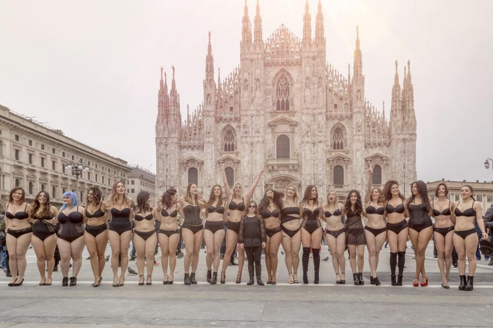 25 Italian women gathered outside of Milan's Duomo Cathedral for the #BodyPositiveCatwalk. (Photo: courtesy of Laura Brioschi)