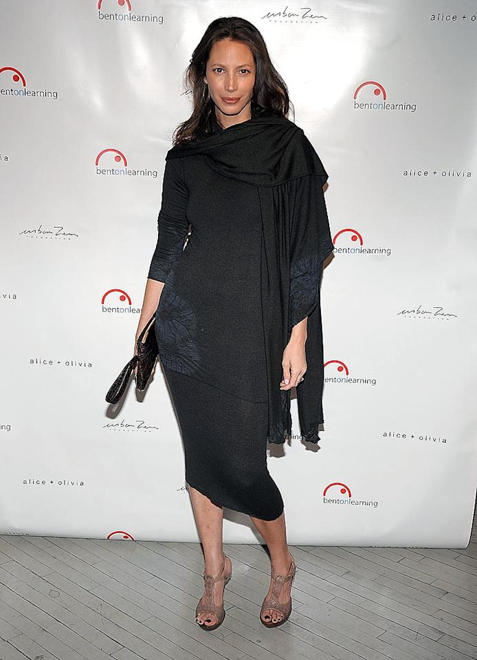 """Supermodel Christy Turlington looked lovely as usual, but she was missing her best accessory -- hunky hubby Ed Burns. Jamie McCarthy/<a href=""""http://www.wireimage.com"""" target=""""new"""">WireImage.com</a> - February 25, 2009"""