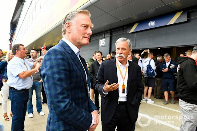 """Sean Bratches, Managing Director of Commercial Operations, Formula One Group, e Chase Carey, Chairman, Formula 1 <span class=""""copyright"""">Mark Sutton / Motorsport Images</span>"""