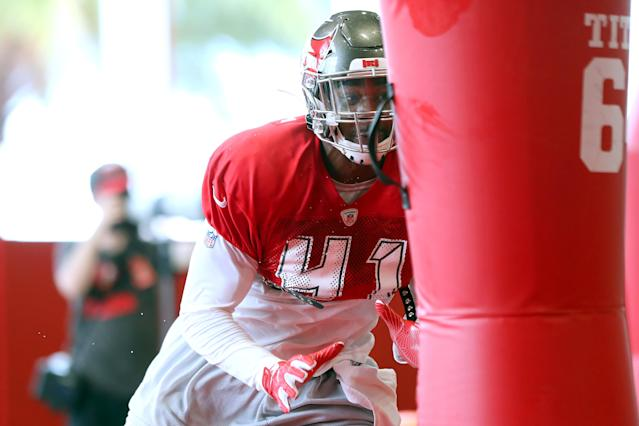 The Buccaneers promoted linebacker Kahzin Daniels to the 53-man roster on Wednesday. Daniels is blind in his right eye after a childhood accident. (Cliff Welch/Getty Images)