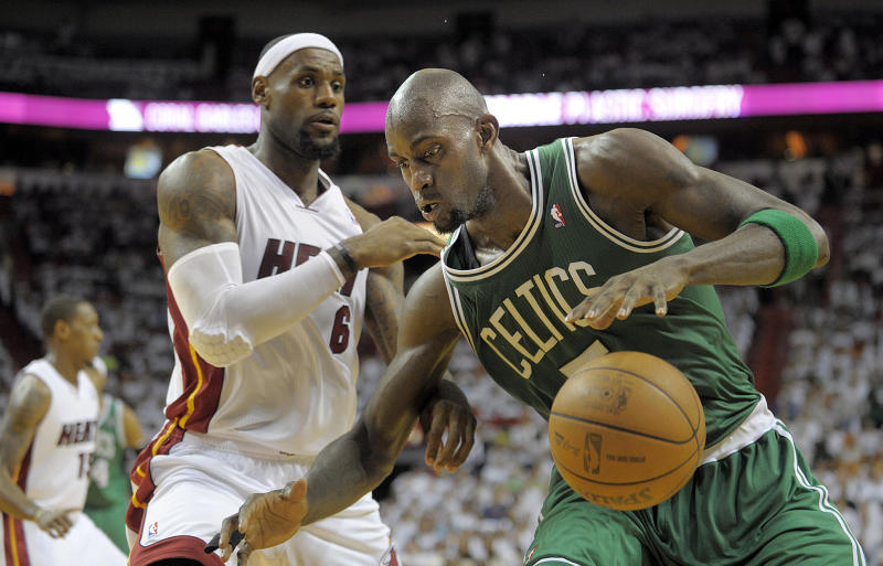 Boston Celtics forward Kevin Garnett is guarded closely by Miami Heat forward LeBron James during the third quarter in Game 5 of the NBA Eastern Conference Finals, Tuesday, June 5, 2012, at AmericanAirlines Arena in Miami, Florida. (Michael Laughlin/Sun Sentinel/Tribune News Service via Getty Images)