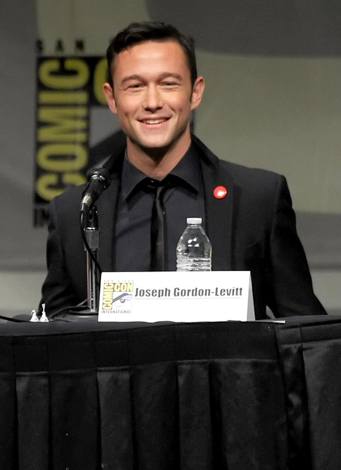 "SAN DIEGO, CA - JULY 13:  Actor Joseph Gordon-Levitt speaks during Sony's ""Looper"" panel during Comic-Con International 2012 at San Diego Convention Center on July 13, 2012 in San Diego, California.  (Photo by Kevin Winter/Getty Images)"