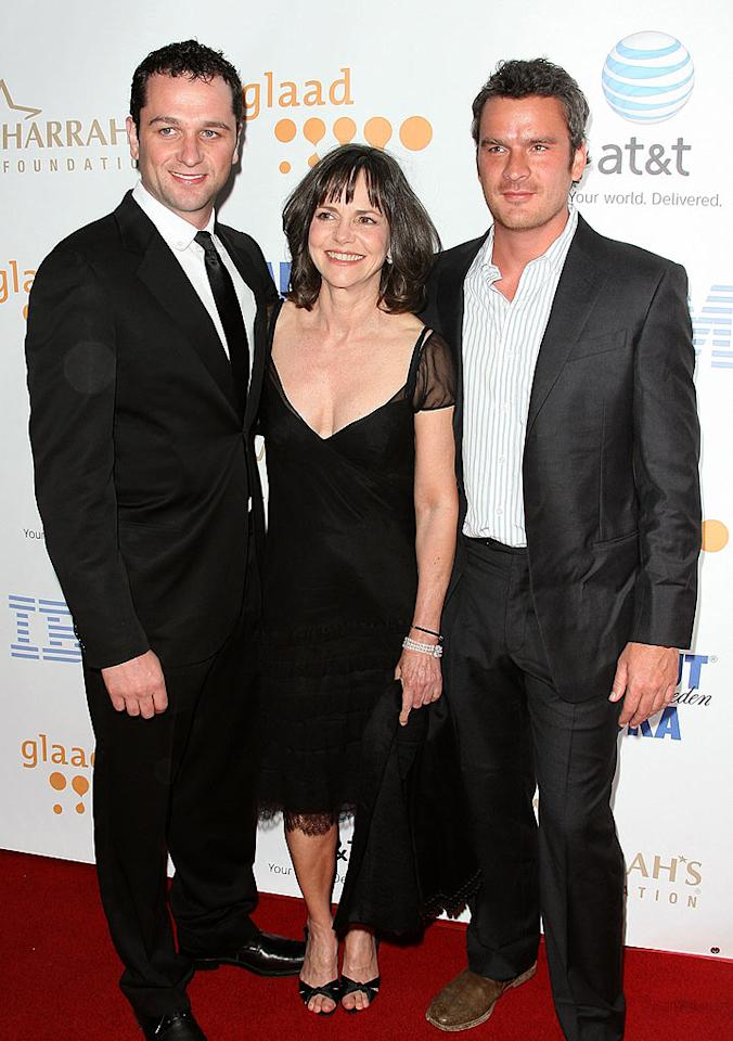 "Matthew Rhys, Sally Field, and Balthazar Getty were on hand to accept the award for their show, ""Brothers and Sisters,"" which won Outstanding Drama Series. Jordan Strauss/<a href=""http://www.wireimage.com"" target=""new"">WireImage.com</a> - April 26, 2008"