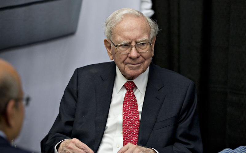 That Time Warren Buffett's Investment Was Blocked by Bank of America'sCall Center