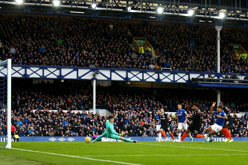 LIVERPOOL, ENGLAND - DECEMBER 07: Dominic Calvert-Lewin of Everton scores a goal to make it 2-0 during the Premier League match between Everton FC and Chelsea FC at Goodison Park on December 7, 2019 in Liverpool, United Kingdom. (Photo by Robbie Jay Barratt - AMA/Getty Images)