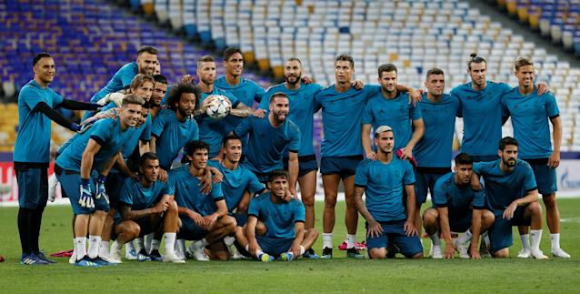 Soccer Football - Champions League Final - Real Madrid Training - NSC Olympic Stadium, Kiev, Ukraine - May 25, 2018 Real Madrid's players pose for a photograph during training REUTERS/Gleb Garanich