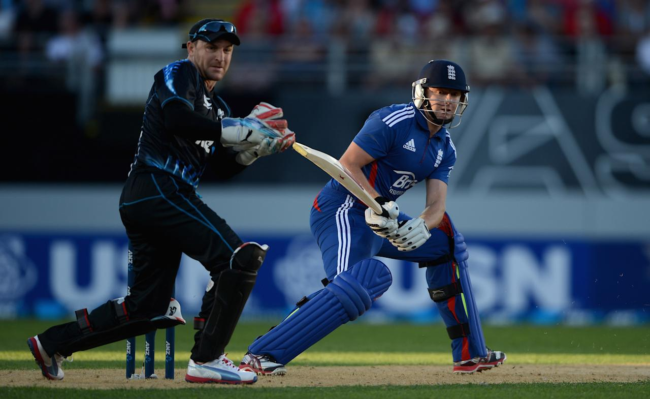 AUCKLAND, NEW ZEALAND - FEBRUARY 09:  Jonathan Bairstow of England bats watched by New Zealand wicketkeeper Brendon McCullum during the 1st T20 International between New Zealand and England at Eden Park on February 9, 2013 in Auckland, New Zealand.  (Photo by Gareth Copley/Getty Images)