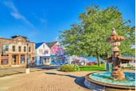 <p>Bar Harbor, Maine, serves as the gateway to Acadia National Park.</p>